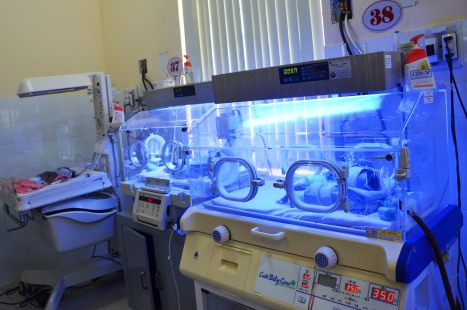 Thiếu nhiều máy sưởi cho các bé sơ sinh thiếu tháng