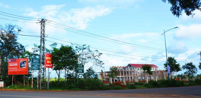 Nhiều trường nghề xây san sát
