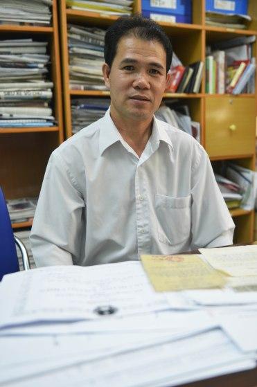 Bác sĩ Lê Minh Thông với hồ sơ khiếu nại về vụ điều chuyển bất thường
