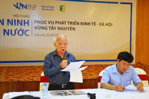 Nhà văn Nguyên Ngọc 84 tuổi trình bày tham luận Rừng và Nước ở Tây Nguyên