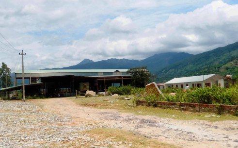 Nhà máy sơ chế đá granit của Cty Trung Văn tại thôn 3 xã Hòa Sơn
