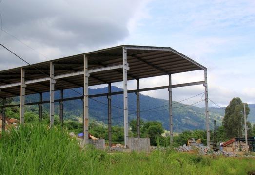 Xưởng khai thác đá công khai tại thôn 6 xã Hòa Sơn