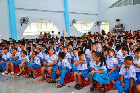 Học trò trường Tiểu học quốc tế ở Buôn Ma Thuột dự khai giảng