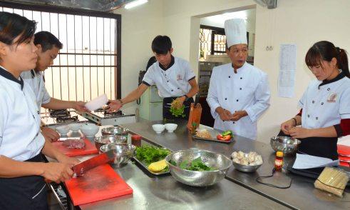 Lớp bếp Á