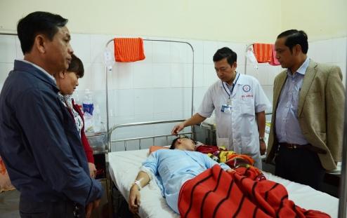 Thượng sĩ Vũ Xuân Khuê đang được điều trị tại khoa Ngoại thần kinh BV ĐK tỉnh Đắk Lắk