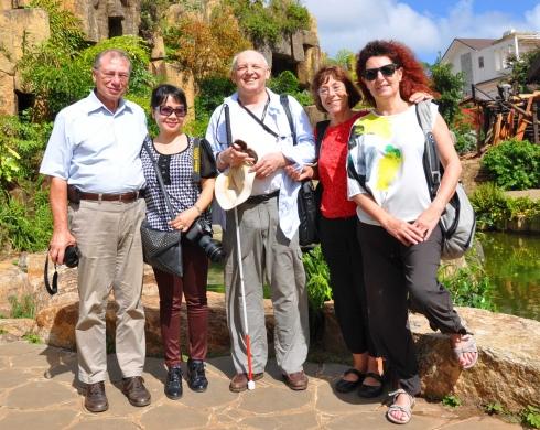 Đoàn của Hội Hữu nghị Pháp Việt vùng Choisy le Roi lần vào Đắk Lắk đầu tiên và tác giả ký sự